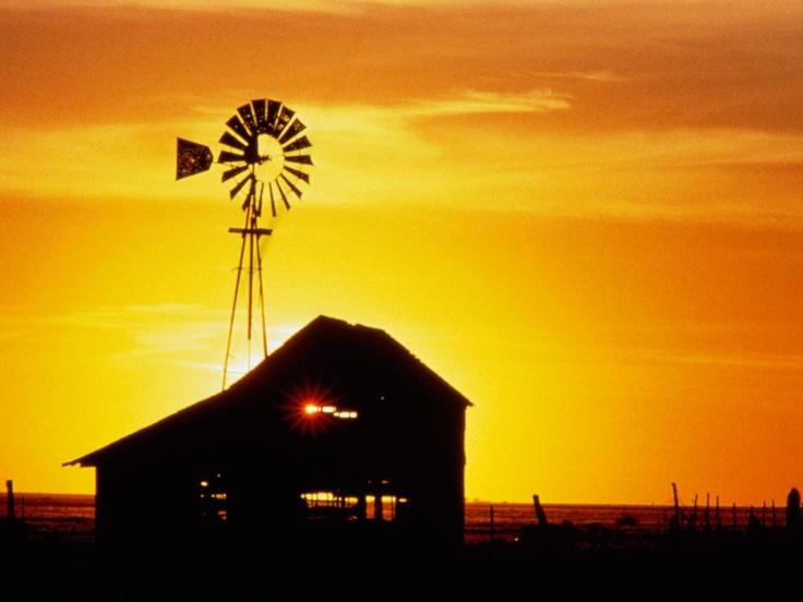 barn: Barns Windmills, Barns Beautiful Barns, Sunsets Sunris, Beautiful Sunsets, Country Life, Sunsets Barns, Barns Farms, Country Barns, Old Barns