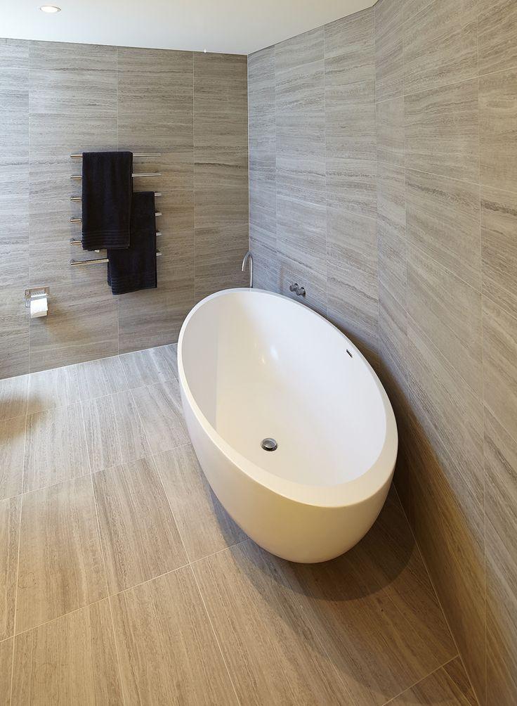 STS STONE: JASMIN.  Bondi Beach bathroom.