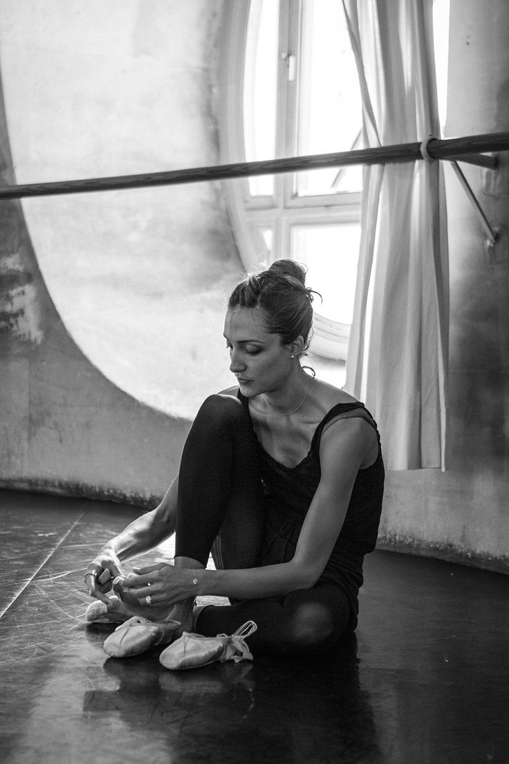 Dorothée Gilbert by James Bort at Opéra Garnier.  ✯ Ballet beautie, sur les pointes ! ✯
