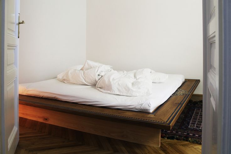 bed, oak wood, painting by  www.szarobialo.pl . www.drewnoikamien,pl