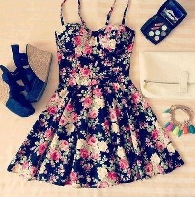 Adoran los vestidos floreados