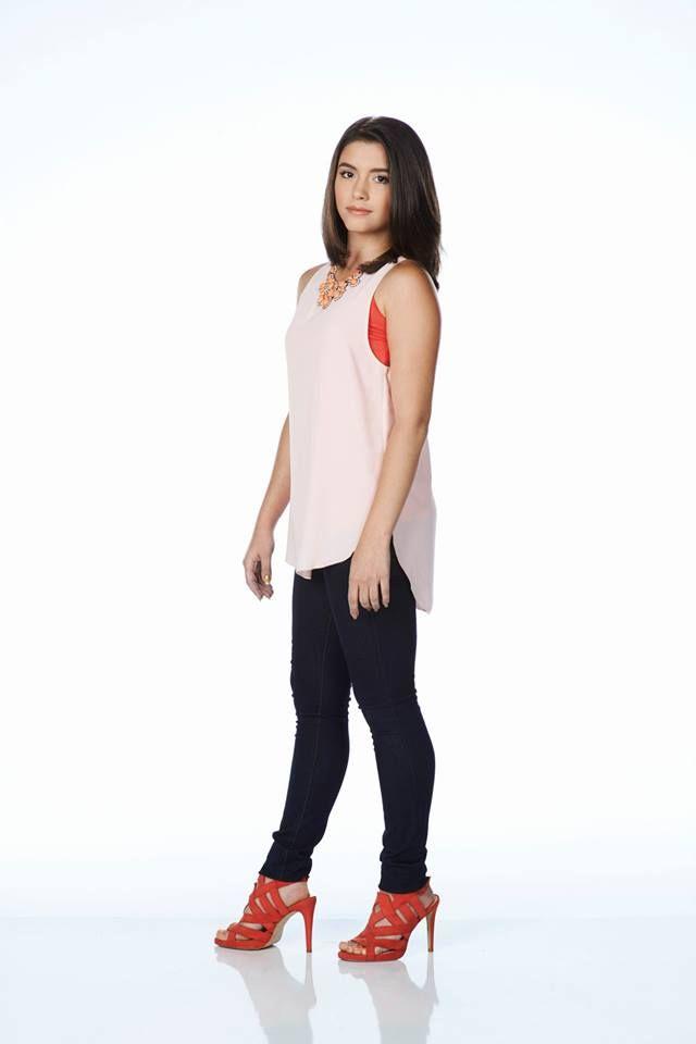 Ana Golja As Zoe Degrassi Degrassi S14 Pinterest
