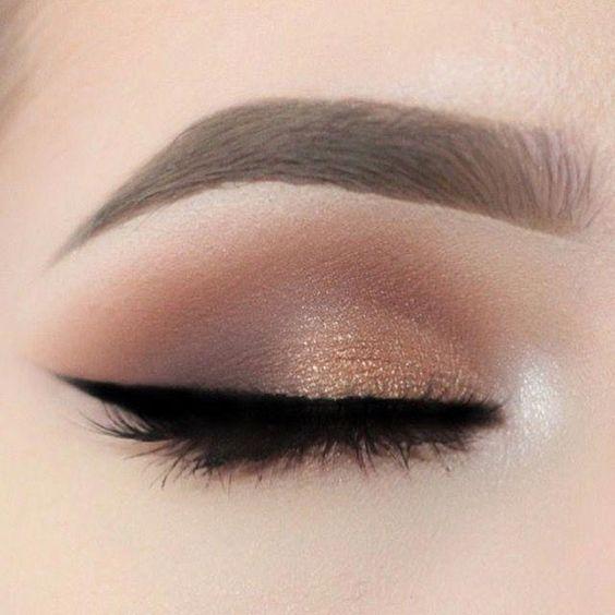 56 trendige Smokey Eye Make-up für Anfänger 2019, 56 modische Smokey Eye Make-up …   – makeup looks