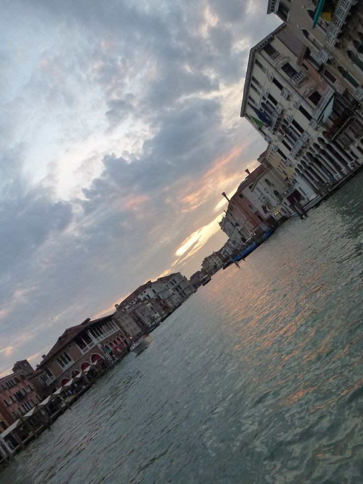 With our Venice's sunrise, Andromeda wakes up, being grateful about the new day.