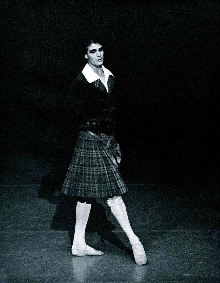 Paul Chalmer answers the Gramilano Questionnaire… Dancers' Edition - Paul Chalmer as James in La Sylphide - Stuttgart Ballet