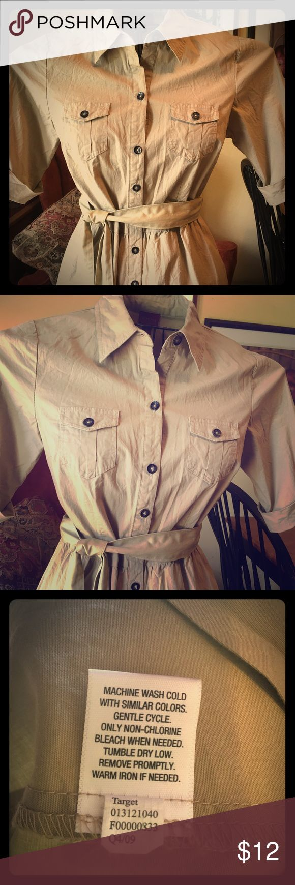 Merona Khaki Shirt Dress ~ Size Medium! Merona Khaki Shirt Dress ~ Size Medium ~ Button-front and removable belt ~ Worn and washed once, and a bit wrinkled from hanging in the closet! Other than that, excellent condition!❤️ Merona Dresses Midi