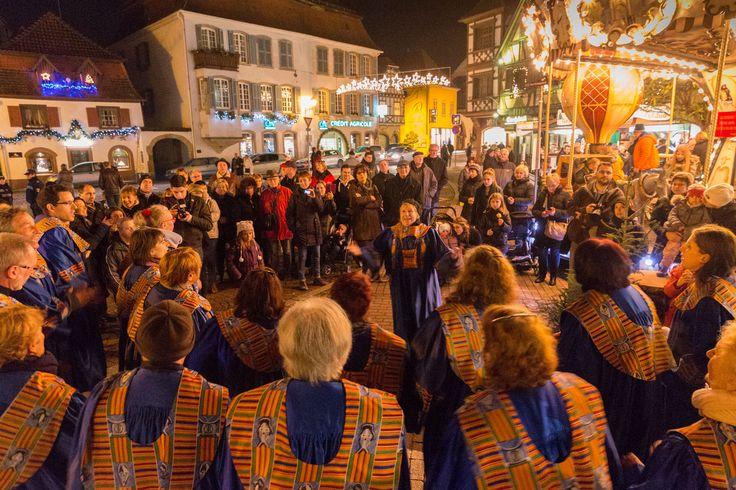 Joie et convivialité avec cette chorale de Noël - Styl'List Images