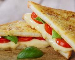 croque-monsieur aux tomates cerises à l'italienne