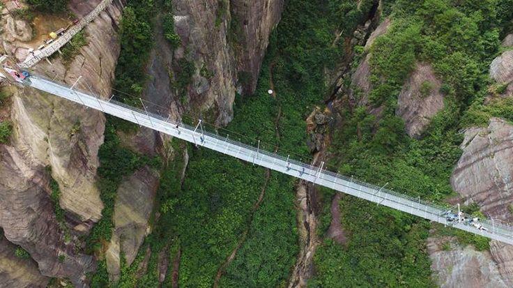 Üveghídak Kínában   Fotó via boredpanda.com