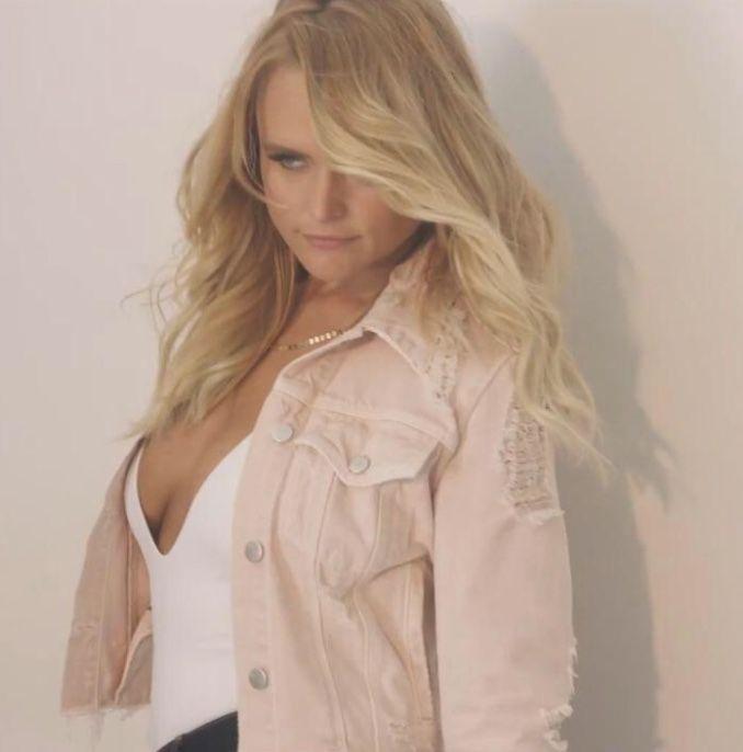 Miranda lambert hot photos