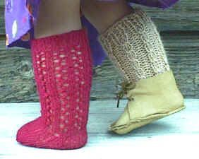 I love knitting these. They are quick and a great way to use up leftover sock yarn.