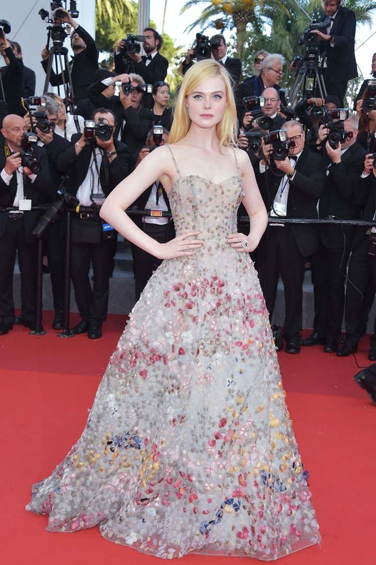 Эль Фэннинг в платье от Dior на «Cannes 70th Anniversary Gala» - ПоЗиТиФфЧиК - сайт позитивного настроения!