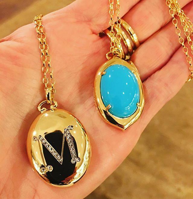 Decisions decisions😉 #whatsinmylocket #monicarichkosann #locketsrsexy #tourquoise #sleepingbeauty #sunday #gem #jewelry #necklace