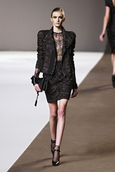 Elie Saab at Paris Fashion Week Fall 2010 - Runway Photos