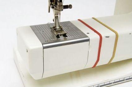 Utilisez des élastiques en guise de guide tissus