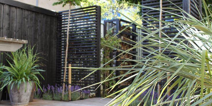RUMDELERE I HAVEN - SÅDAN GØR DU - Dividing the garden-rooms with wood-panels
