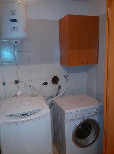 Mueble aéreo para detergentes.