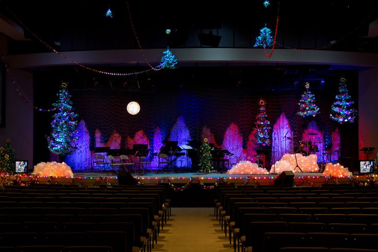 christmas party stage decorations photo9