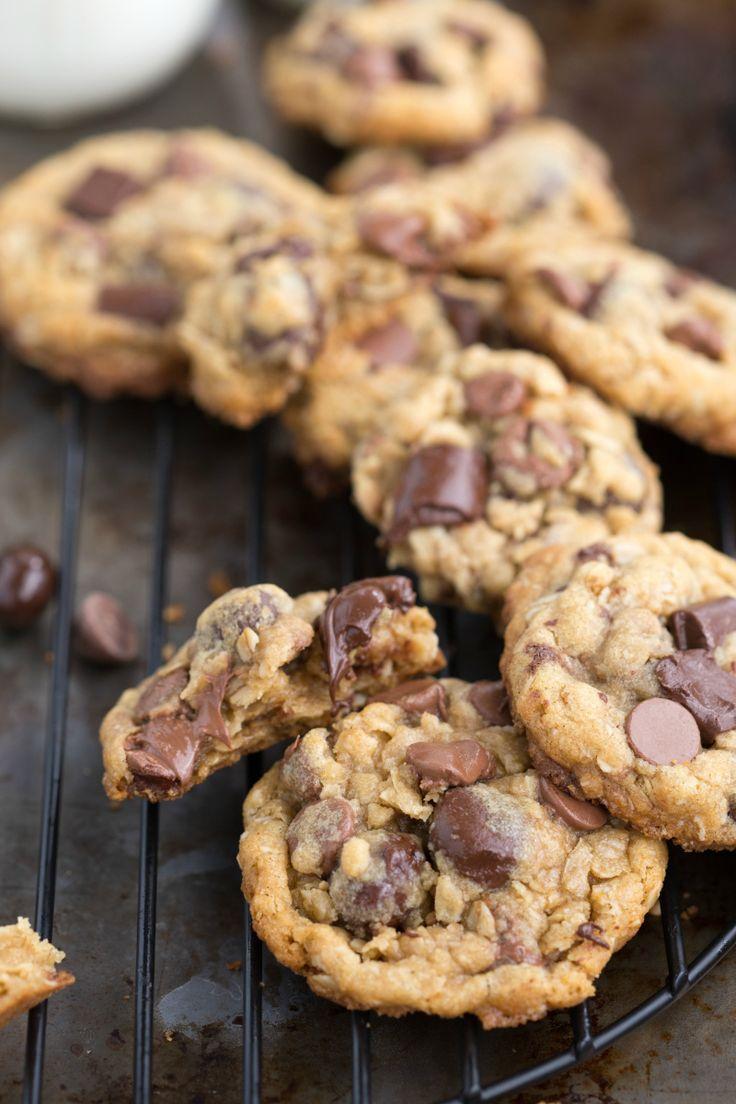 healthy oatmeal chocolate chip cookies Oatmeal chocolate chip cookies are the perfect marriage of indulgent chocolate and health-boosting oats.