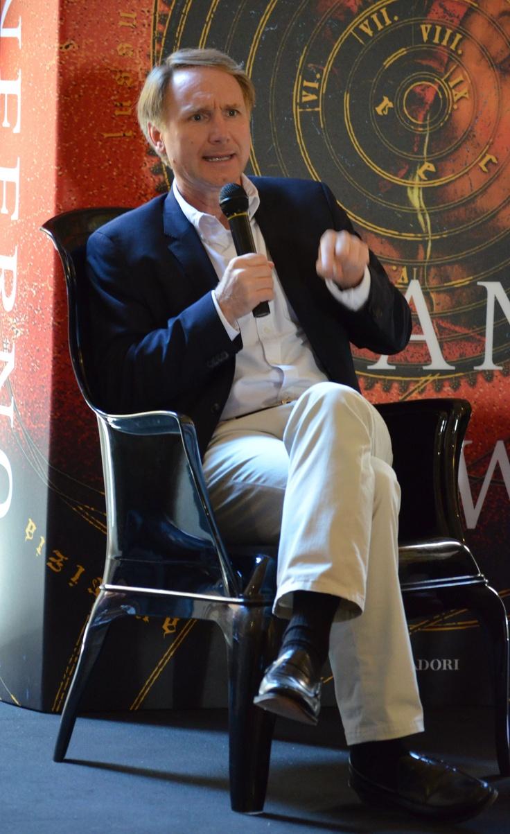 Γνωρίζεις πραγματικά έναν συγγραφέα, μόνο όταν ακούς τον ίδιο να μιλάει για το έργο του! #2 ~ #INFERNO 5/6/2013