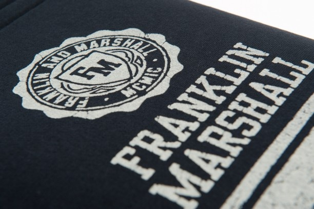 There's nothing better to protect your tablet screen than this cover in sweatshirt material  #franklinandmarshall