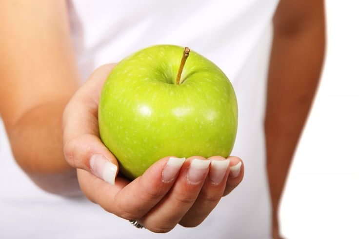 #Apples are delicious, juicy and super easy to take with you to snack on throughout the day, before or after the gym. But, did you know that eating apples can also help you to build muscle, prevent muscle fatigue and increase your body's ability to burn fat?  #Muscle #Building #Food That Might Surprise You - Toat