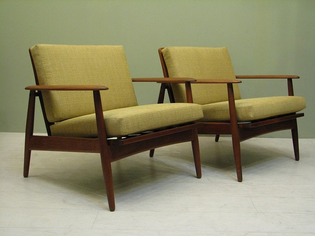 my living room is asking for these.