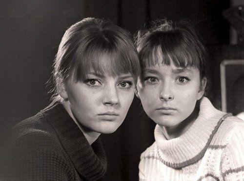 Marianna (left) and Anastasia Vertinskie