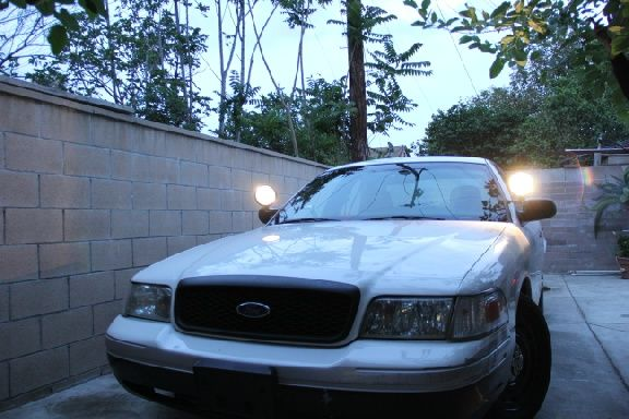 Used 2005 Ford Crown Victoria for Sale ($4,000) at Pomona, CA. Contact: 909-344-4578. (Car Id: 57262)