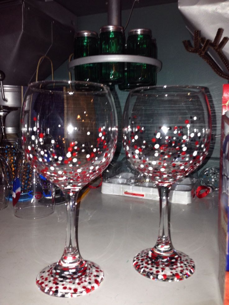 Painted wine glasses ideaaaas pinterest Images of painted wine glasses