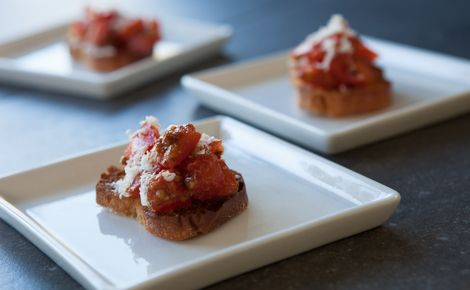 Epicure's Little Italy Presto Bruschetta - One of the many things I love about Epicure!  Entertaining made easy!