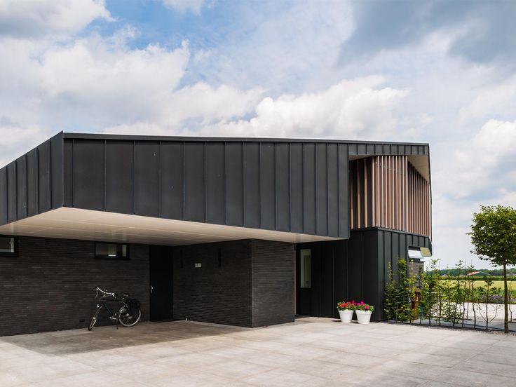 Maas Architecten » woonhuis odijk // zink modern villa landelijk hout schuur
