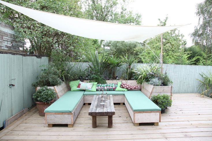 Really clever seating/ planting combination