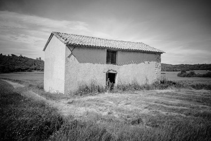 """Saint Julien le Montagnier (83) en Provence. """"Un cabanon"""" par Muddy photography http://www.flickr.com/photos/escucha/"""