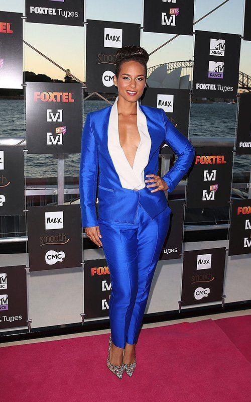 Alicia Keys in the Electric Blue silk/cotton Suit