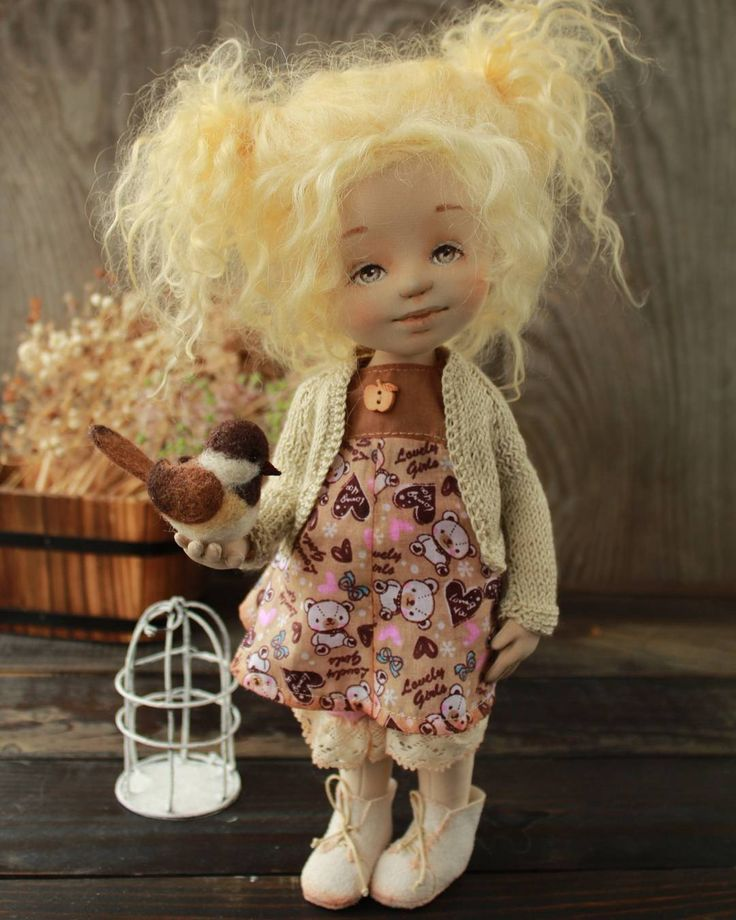 Это чадо я вымучивала долго ,  переделывала раза четыре. Впрочем, пусть это пойдет на пользу, буду учиться терпению и усидчивости #кукла #кукларучнойработы #авторскаякукла #текстильнаякукла #куклыириныхочиной #ручнаяработа #doll #textiledoll #artdoll