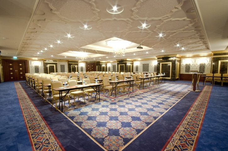 meeting halls with a total capacity of 1200 persons have been designed to meet all your needs: The Lalezar Hall with the capacity of 400 persons and splendid decoration is ideal for extensive meetings such as weddings, parties and conferences.  http://eng.eliteworldhotels.com.tr