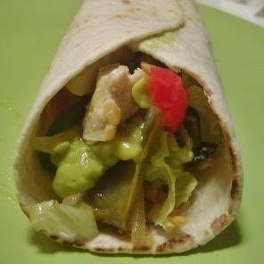 Receita de Fajita de frango com molho mexicano. Saiba os ingredientes e o passo a passo para fazer Fajita de frango com molho mexicano