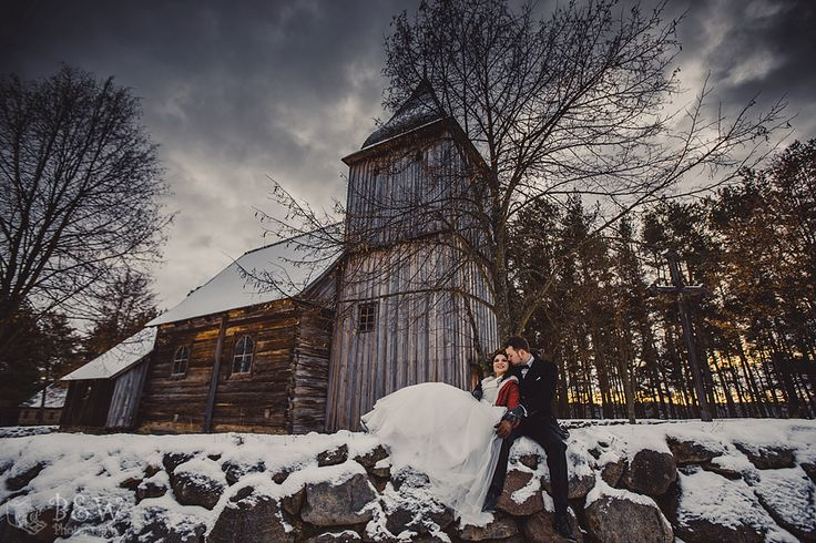 Winter wedding photo session in Poland