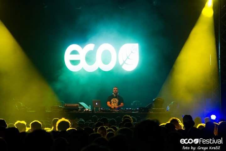 Ambientato all'interno della foresta circostante Nova Gorica, cittadina slovena a pochi kilometri dal confine con l'Italia, Eco Festival tornerà anche quest'anno (dal 24 al...