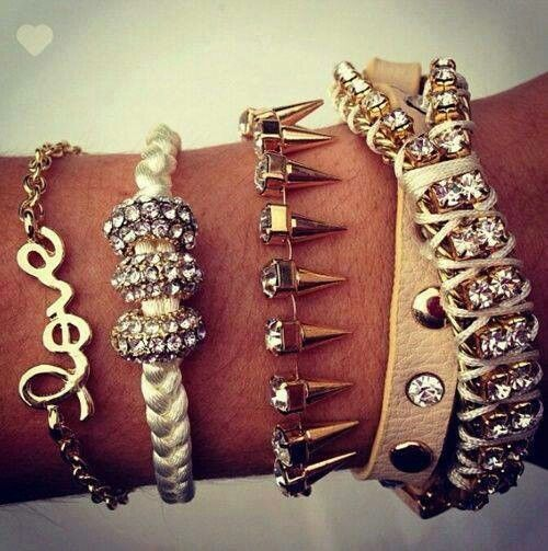 Gorgeous jewelry to edge up your look. Follow me on Instagram @chanlmani