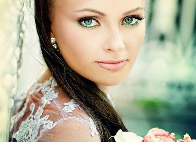 Свадебный макияж для голубых глаз с зеленой подводкой ::: onelady.ru ::: #makeup #eyes #eyemakeup