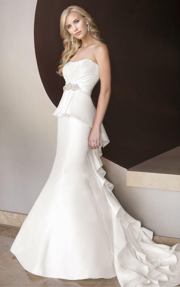Essence of Australia Wedding Gowns D 1417