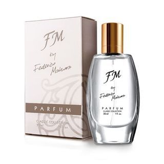 30 ml perfume is a complexity of feminine psyche is expressed through a blend of green tea, lemon and cranberry with notes of snow-white flowers.