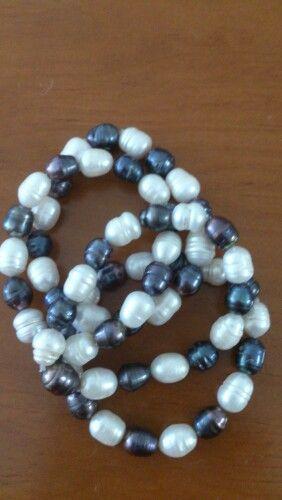 Pulseras en perla cultivada blanca y negra