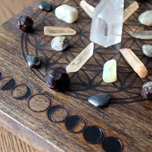 Crystal Grid - Arched Poplar   Stone & Violet