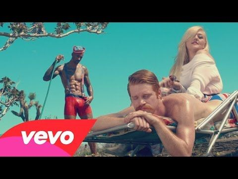 Elle King - Ex's & Oh's (Official Video) - YouTube. The role reversal in the cliched objectification in this music video is brilliant and hilarious haha