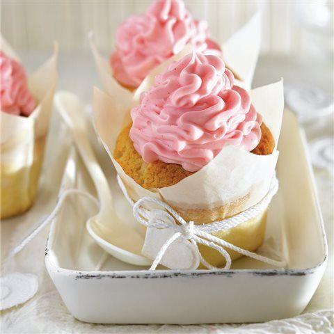 "Cupcakes ""para el día de la madre"" - Lecturas Small Cake, Vanilla Cake, Sprinkles, Icing, Cake Decorating, Bakery, Cup Cakes, Desserts, Food"