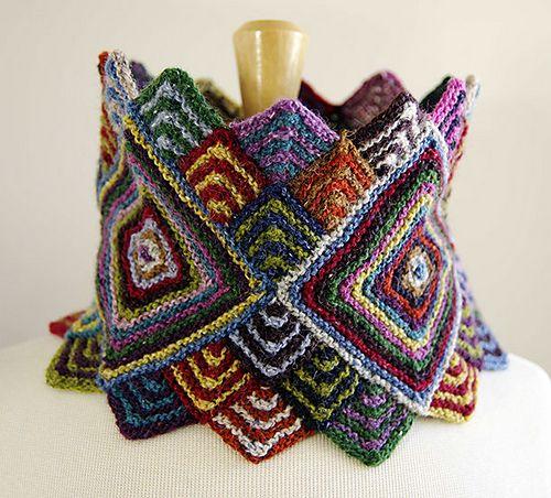 Ravelry: Lubushka Cowl pattern by Irina Poludnenko