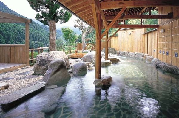 typical Japanese onsen